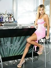Nikki Kyle in Blonde Bargirl in Pink Lingerie and Swollen Pussy